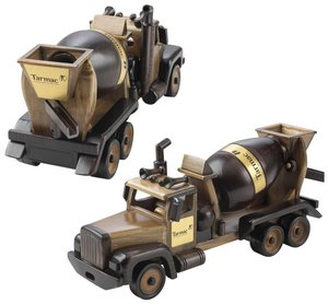 Wooden Cement Mixer with Cinnamon Almonds