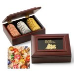 Mahogany Toned Wooden Gift Box with 18 Lindor Truffles